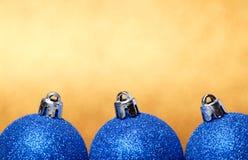 Décorations de Noël et de nouvelle année sur le fond de scintillement photo libre de droits