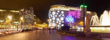 Décorations de Noël sur les rues à Barcelone, Catalogne Image libre de droits