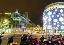 Décorations de Noël sur les rues. Barcelone, Espagne Photos stock