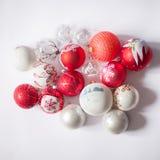 Décorations de Noël sur un fond blanc Image libre de droits