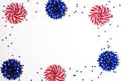 Décorations de vacances des Etats-Unis sur un fond blanc Images stock