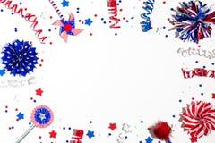 Décorations de vacances des Etats-Unis sur un fond blanc Photo libre de droits