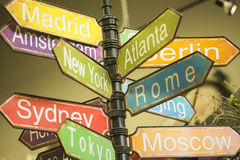Décorations de vacances pour la maison, directions de voyage pour le père noël Image libre de droits