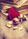 Décorations de Valentine avec le coeur Images stock