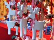 Décorations en bois de cerfs communs de Noël Photographie stock