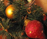 Décorations lumineuses de Noël-arbre photo libre de droits