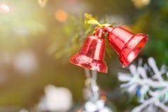 Décorations rouges de Noël de cloche Photo stock