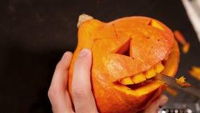 Découpage de potiron de symbole de Halloween du feu follet banque de vidéos