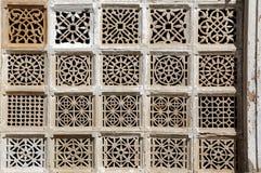 Découpage en pierre chez Sarkhej Roja, Ahmedabad, Inde Image stock
