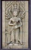 Découpage en pierre de statue de danseurs d'Apsara photos libres de droits