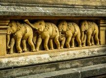 Découpages d'éléphant sur le temple de Kelaniya photos libres de droits