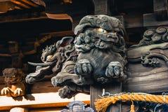 Découpages en bois sur le temple photos libres de droits