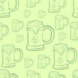 Découpes avec des tasses de bière Image libre de droits