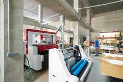 Découpeuse de laser pour l'industrie de transfert de textile photographie stock