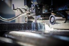 Découpeuse industrielle d'aluminium et de titane Images libres de droits