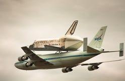 Découverte de navette spatiale au-dessus d'Udvar-Brumeux Photos libres de droits