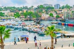 Découvrez la vieille marina d'Antalya photos stock