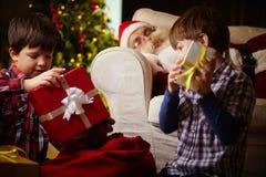 Découvrir des cadeaux Images stock