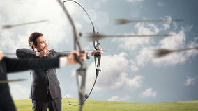 Défi pour de nouvelles cibles d'affaires de portée et de coup Photographie stock