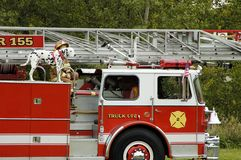 Défilé 2 de camion de pompiers Photo stock