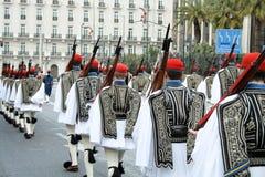 Défilé cérémonieux à Athènes Photo stock
