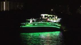 Défilé 2017 de bateau de Winterfest dans le Fort Lauderdale la Floride banque de vidéos