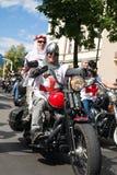 Défilé de cyclistes photographie stock libre de droits