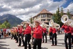 Défilé de jour de Canada dans Banff Images stock
