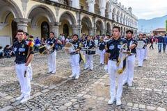 Défilé de Jour de la Déclaration d'Indépendance, Antigua, Guatemala photo libre de droits