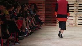 Défilé de mode d'Ana Marija Ricov clips vidéos