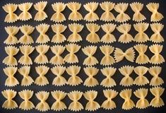 Défilé de pâtes - macaronis image stock