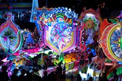 Défilé de Sakhon Nakhon de festival d'étoile de Noël en Thaïlande Image libre de droits