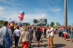 Défilé de victoire à Brest sur l'honneur du soixante-dixième Images stock