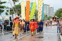 Défilé de village d'éléphant de Pattaya marchant dans la flotte internationale Photos stock