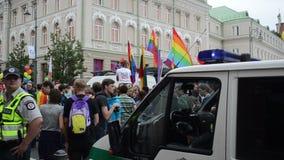Défilé gai de voiture de police banque de vidéos