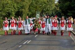Défilé hongrois traditionnel de récolte le 11 septembre 2016 dans vi Images libres de droits