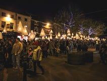 Défilé Newcastle de lanterne sous Lyme R-U images stock