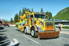 Défilé pour célébrer le jour de Canada dans Banff Photographie stock