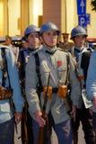 Défilé roumain d'armée à Bucarest, Roumanie Photos libres de droits