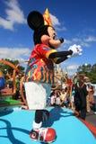 Défilez dans le château magique de royaume en monde de Disney à Orlando Photos stock