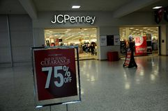 DÉGAGEMENT 50- 70 % À JCPENNEY Photos libres de droits