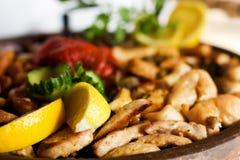 Dégagements gastronomes de viande de plaque d'argile Images libres de droits