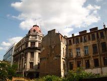 Dégradation d'architecture historique à Bucarest Photos stock