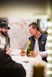 Dégustation du vin français au marché Photo stock