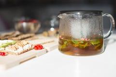 Déjeuner avec du thé Photographie stock libre de droits