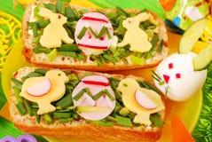 Déjeuner de Pâques pour l'enfant image libre de droits