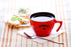 Déjeuner de régime avec du thé Photographie stock libre de droits
