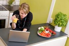 Déjeuner en ligne Images libres de droits