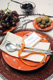Déjeuner heureux de thanksgiving, brunch ou arrangement chic minable dinant moderne occasionnel de table Photos libres de droits
