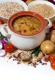 déjeuner sain, soupe avec des haricots et légumes, verticaux Image libre de droits
